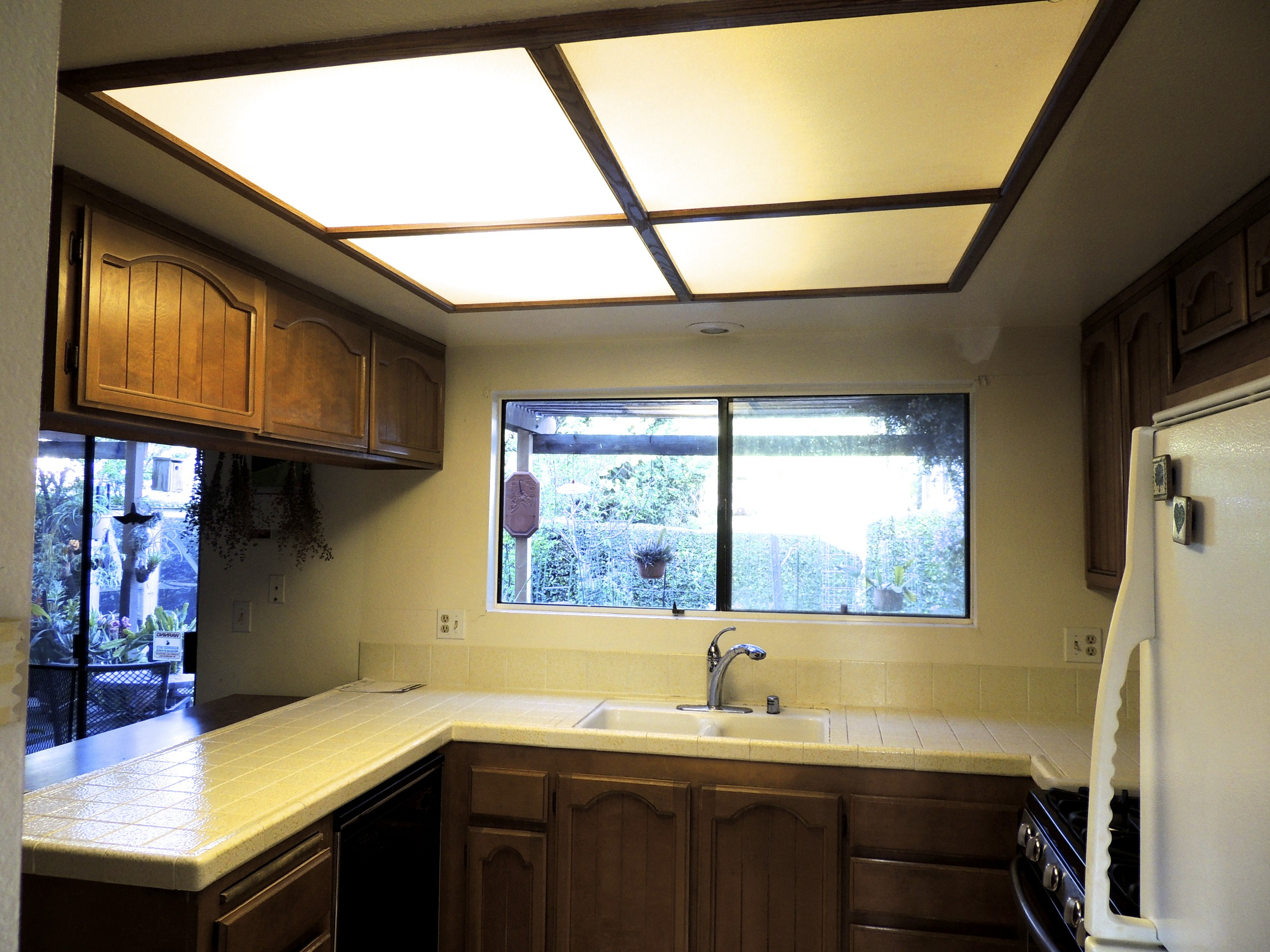 Woodworking lou murray 39 s green world - How to get your kitchen ceiling lights right ...