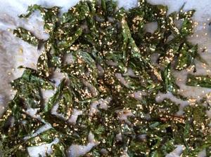 Sesame-Kale chips